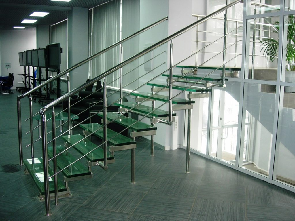 015 1 1024x768 - Лестницы из металла на заказ