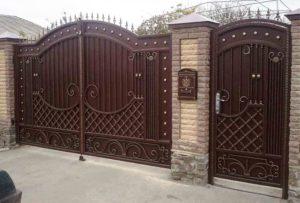 108 300x203 - Металлические ворота и калитки