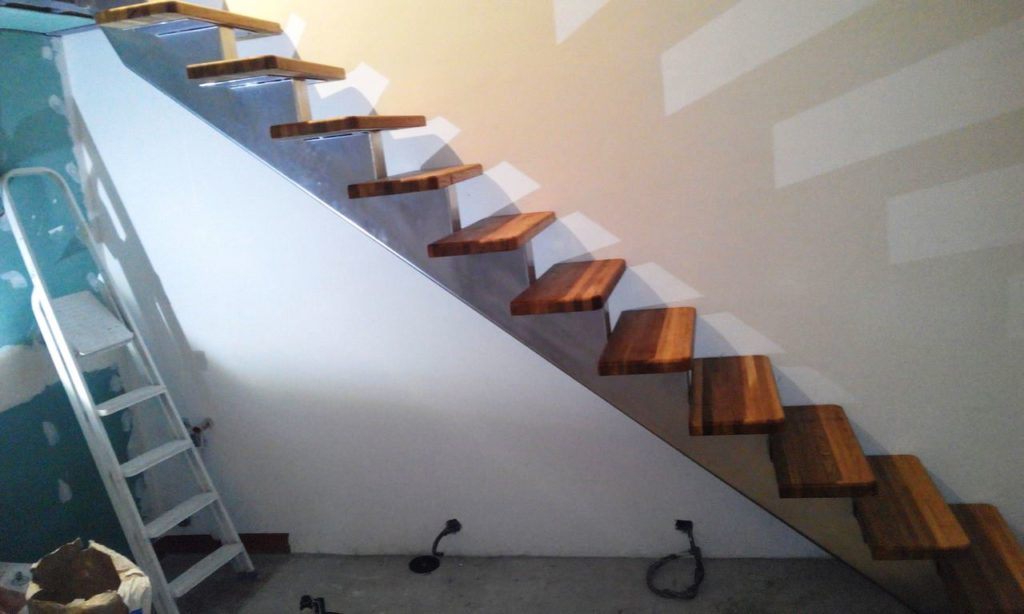 20160508203210 1024x614 - Лестницы из металла на заказ