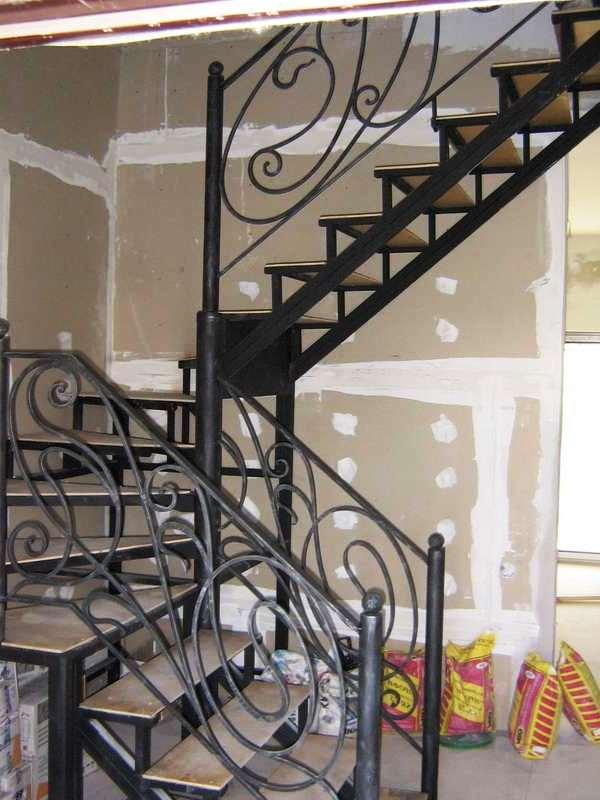 2043 - Лестницы из металла на заказ