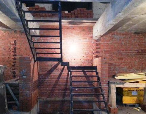 625995e9 8870 427f 936f f6e3b1c6bb9e mobile 2 list image - Металлические лестницы