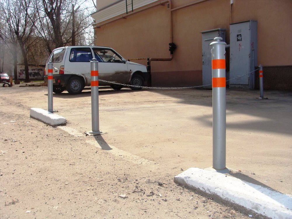 efb40ec198eb3bc944575c675eb1041e - Металлические парковочные столбики на заказ