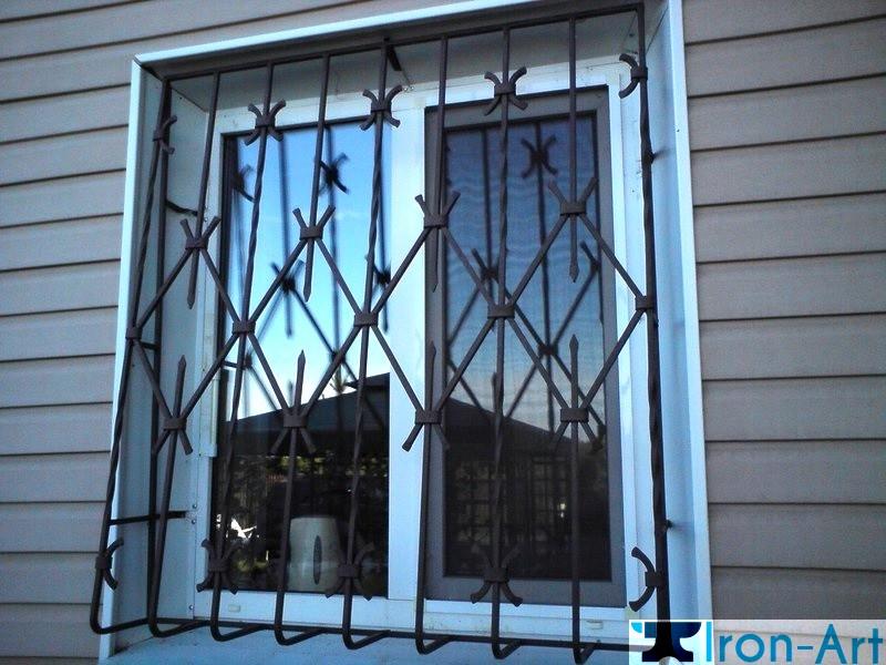 kovanie reshetki na okna - Металлические решетки на окна