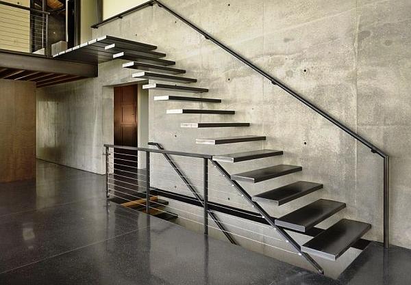ld lestnici HT 113 - Лестницы из металла на заказ