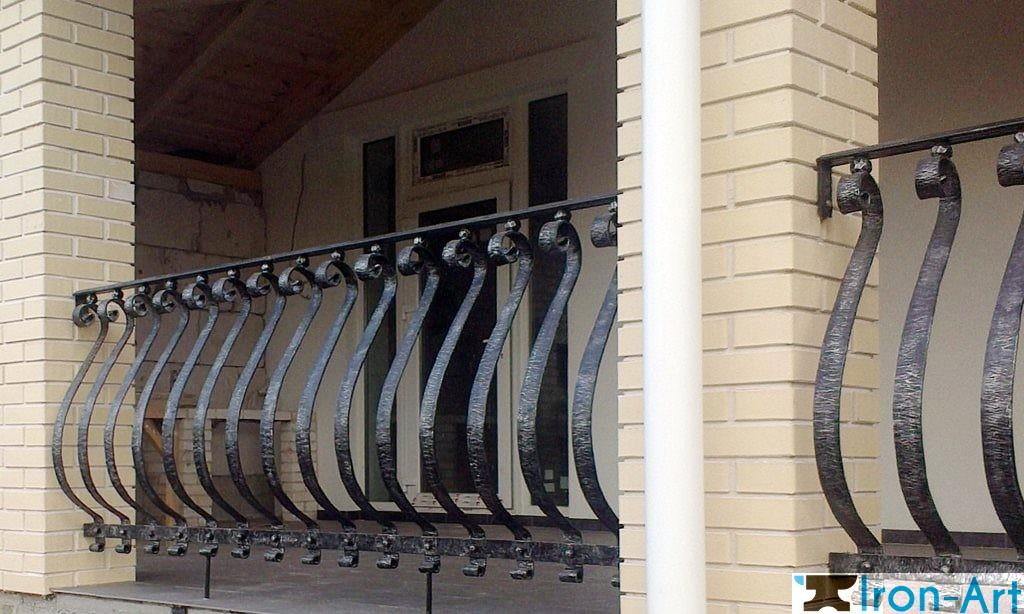 perila dlya frantsuzskih balkonov 1024x614 - Металлические ограждения