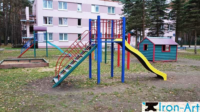 ulichnyy sportivnyy kompleks dlya detey - Детские площадки из металла на заказ